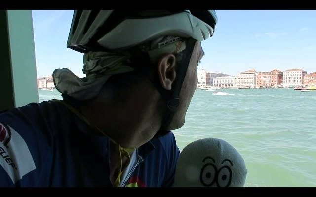 SUPERCYCLING/SINGINGMAN IN VENICE